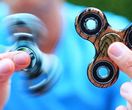 fidget spinner club le blog sur les hand spinners. Black Bedroom Furniture Sets. Home Design Ideas